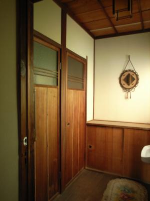 090523トイレ前.JPG